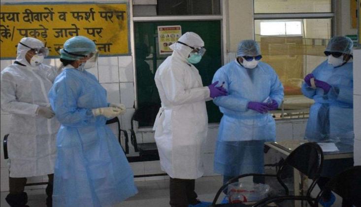 Hindistan'da Koronavirüsten Ölenlerin Sayısı 100 Bini Geçti