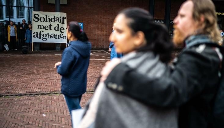 Hollanda'da Afgan Sığınmacıları Protesto Gösterisi Kontrolden Çıktı