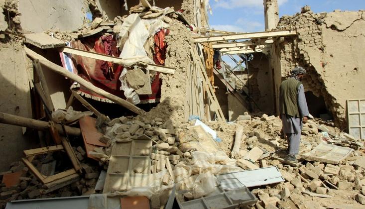Afganistan'da Hava Saldırısı