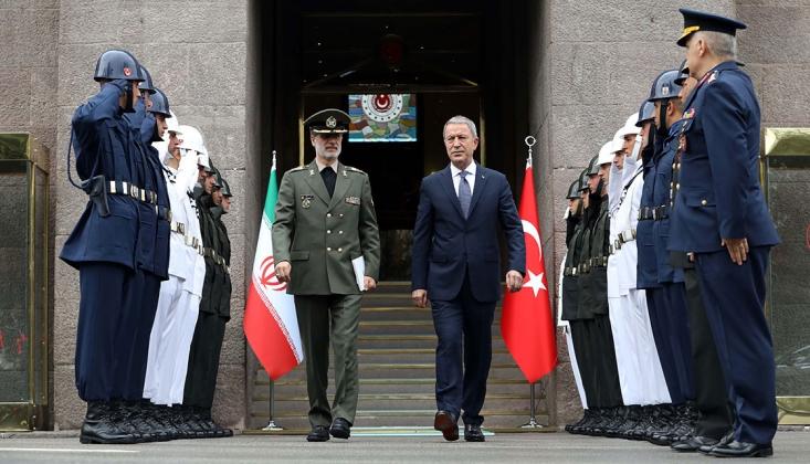 İran Savunma Bakanı Akar ile Görüştü