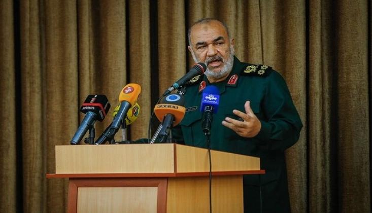 İranlı Komutan: Silahlarımızın Menzilini Arttıracağız
