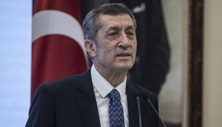 """Bakan Selçuk'tan """"Müfredat"""" Sorusuna Yanıt"""