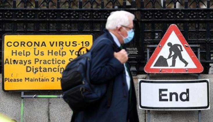 İngiltere'de Günlük Koronavirüs Vaka Sayısı 30 Bini Aştı