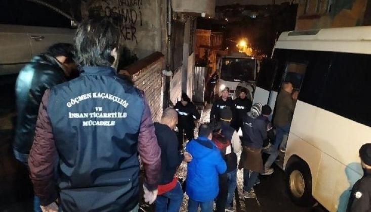 İstanbul'da Göçmen Kaçakçılığı Operasyonu: 135 Göçmen Yakalandı