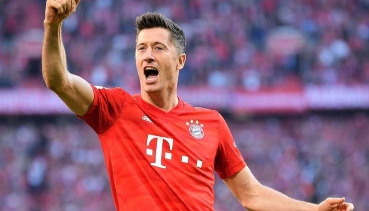 Lewandowski Raul'u Geçti!