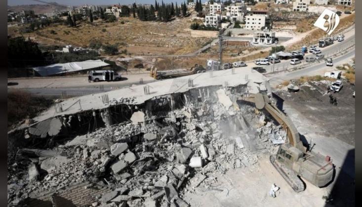 İşgalci Rejim Filistin'de 421 Konutu Yıktı