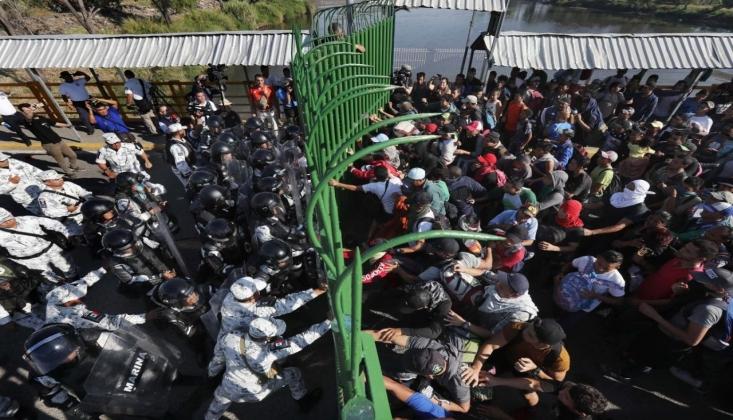 2 Bin Göçmen Meksika Sınırına Ulaştı