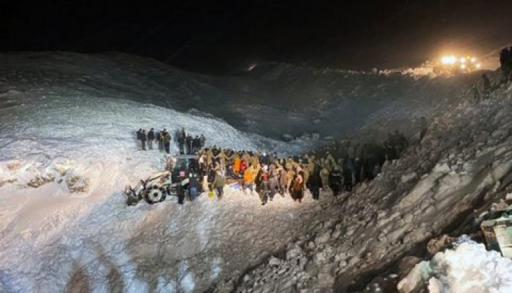 Van'da Çığ Felaketi: 5 Kişi Hayatını Kaybetti!