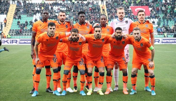 Medipol Başakşehir'de İlk İmza Geldi!