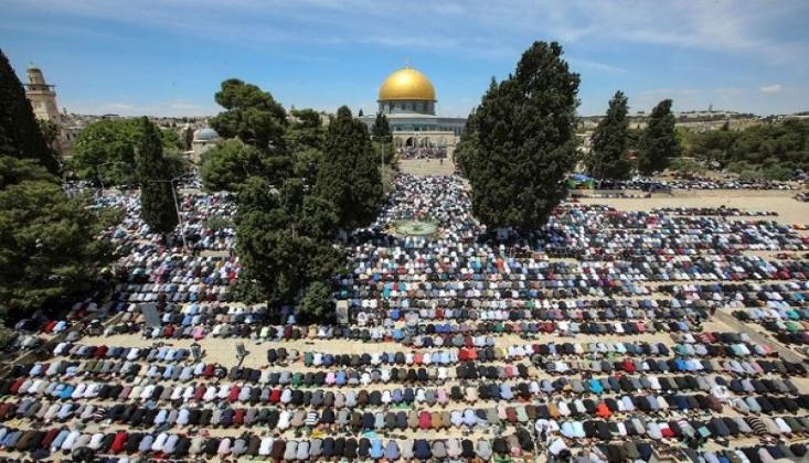 Mescid-i Aksa'da 70 Bin Kişi Saf Tuttu