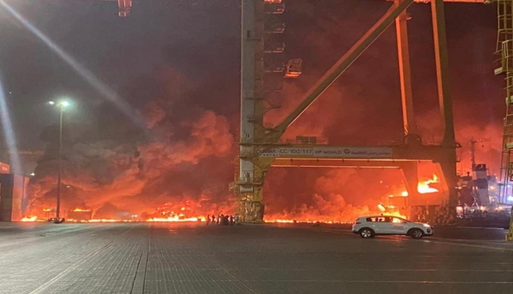 Dubai Limanı'nda Şiddetli Patlama