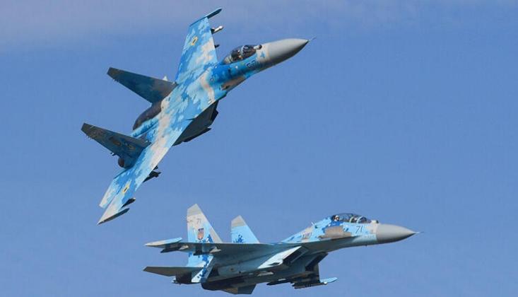 Rusya ve Suriye Hava Kuvvetlerinden İdlib'de Terörist Mevzilere Taarruz