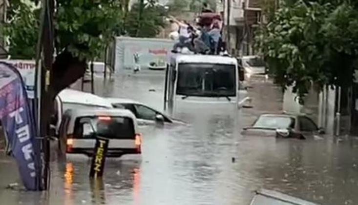 İstanbul'da Sel ve Dolu Yağışı!