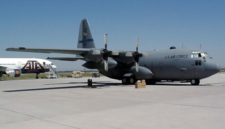 ABD Askeri Uçağı Irak'ta Pistten Çıktı / Video