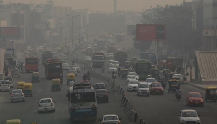 Yeni Delhi'de Hava Kirliliği Yeniden Tehlikeli Seviyede