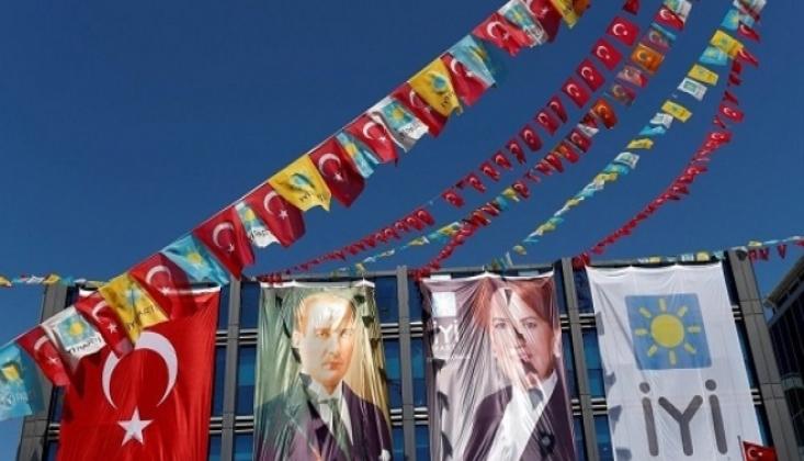 AKP'den İstifa Eden 55 Kişi İYİ Parti'ye Geçti