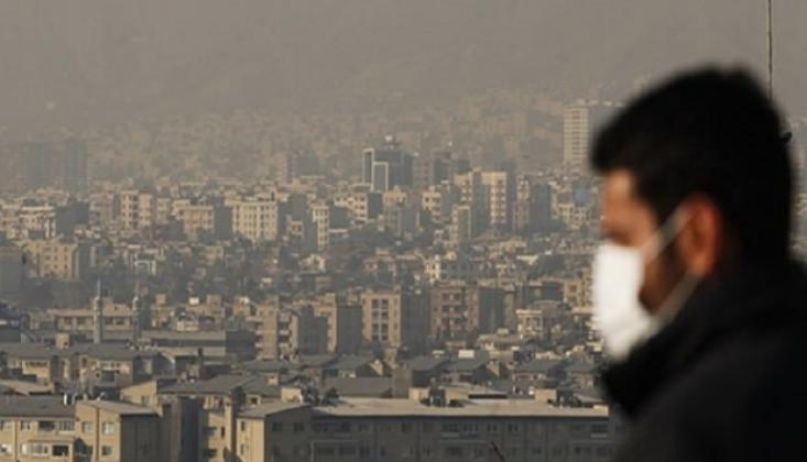 Tahran'da Eğitime Hava Kirliliği  Arası